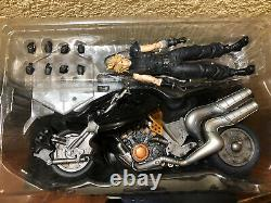 Final Fantasy VII 7 Remake Play Arts Kai Cloud Action Figure 1st Class Edition